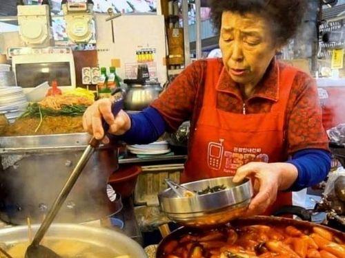 Top 5 món ăn đường phố nhất định phải thử khi đến Hàn Quốc