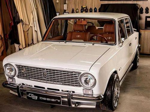 'La già' Lada VAZ 2101 độ nội thất đẳng cấp đầy sang chảnh