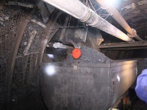 Than Mông Dương: Ra lò tấn than đầu tiên tại lò chợ giá xích