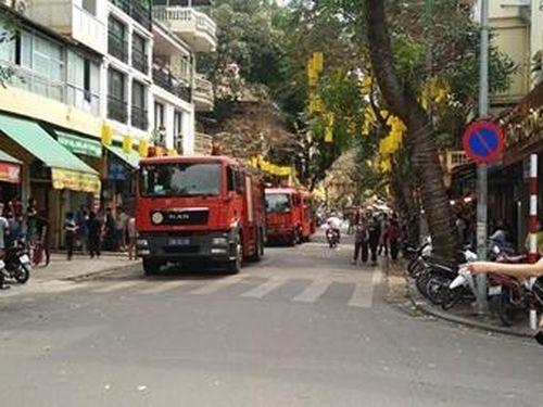 Bác bỏ tin đồn về vụ cháy chợ Đồng Xuân