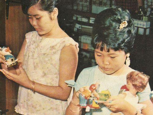 Cơn sốt đồ chơi 'tắc tắc' 50 năm trước
