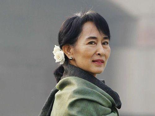 Phiên tòa xử bà Aung San Suu Kyi bị hoãn vì sự cố Internet