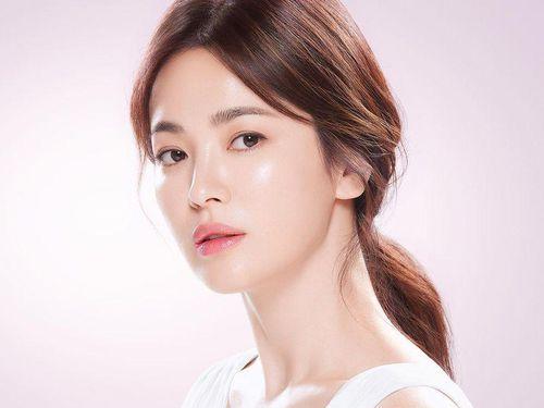 Song Hye Kyo đẹp xuất chúng ở tuổi 41!