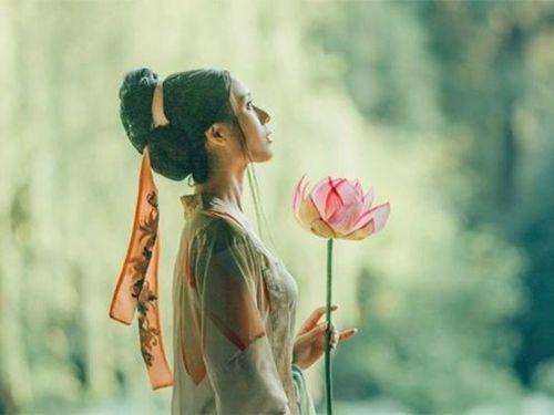Sinh mệnh như ngọn đèn trước gió có: 2 việc không thể đợi, 2 thứ không thể sợ, 2 điều không thể lựa chọn