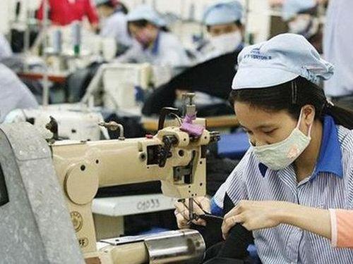 Doanh nghiệp dệt may đề xuất không tăng lương tối thiểu vùng năm 2021