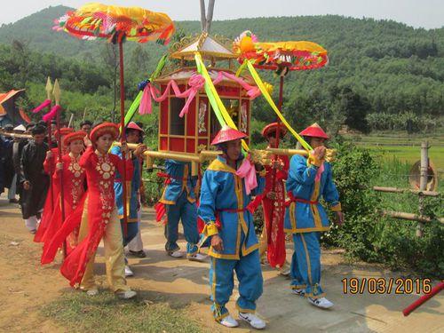 Ai về lễ hội Bà Thu Bồn...