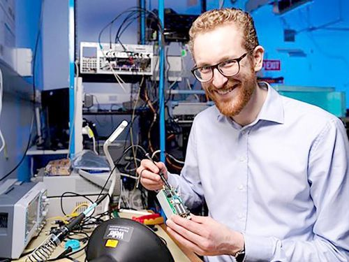 Australia chế tạo máy tính lượng tử cầm tay