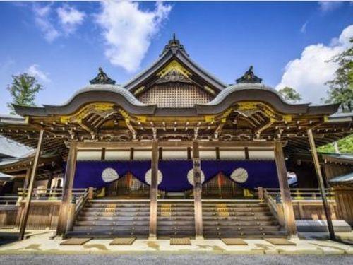 Ngôi đền linh thiêng cứ 20 năm được xây dựng lại một lần