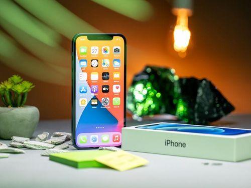 Bất ngờ phiên bản iPhone 12 chính hãng có giá giảm mạnh, rẻ hơn cả iPhone 11