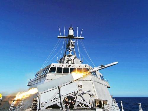 Tàu chiến Mỹ từng đi qua Biển Đông phóng thành công tên lửa chống hạm