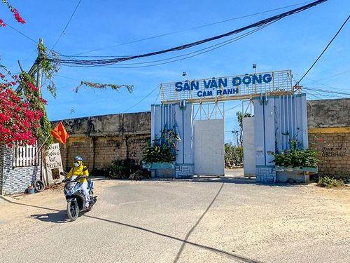Sân vận động Cam Ranh: Lùm xùm chuyện xã hội hóa