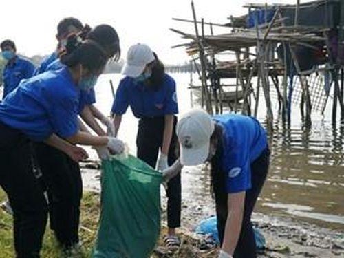 Tuổi trẻ đồng hành để môi trường thêm xanh