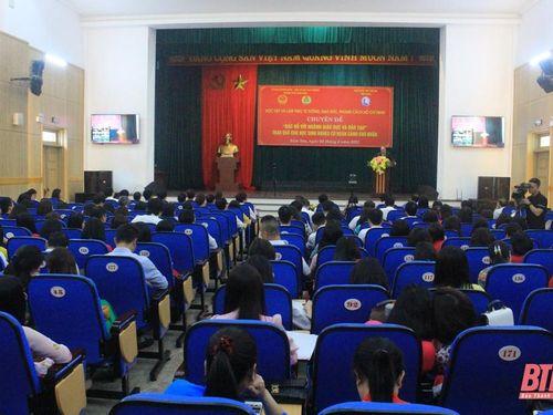 Học tập Chuyên đề 'Bác Hồ với ngành Giáo dục và Đào tạo'