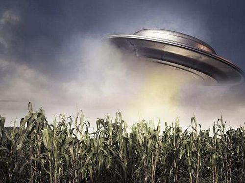 Cựu giám đốc CIA tiết lộ 'sốc' về UFO