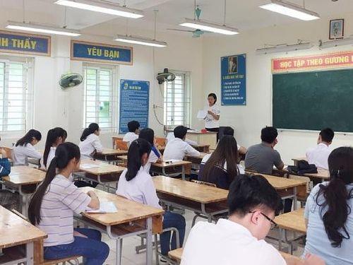 Nhà trường tăng cường thi thử, bám sát đề thi tham khảo tốt nghiệp THPT