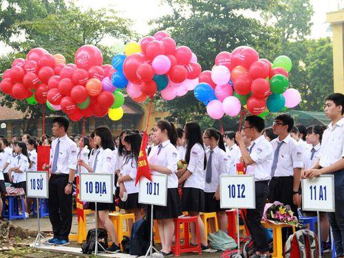 Cấp học bổng cho học sinh chuyên ở Hà Nội: Người phấn khởi, kẻ chạnh lòng