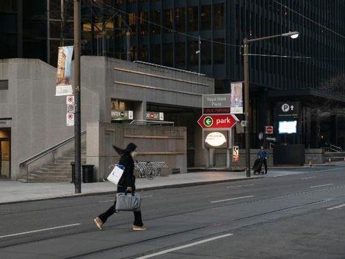 Canada phong tỏa tỉnh bang có hơn 14 triệu dân