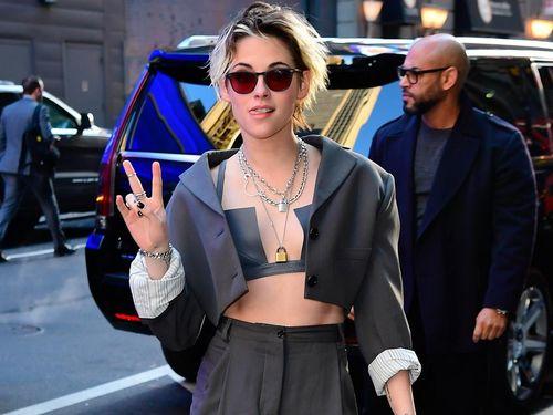 Kristen Stewart không thích mặc áo sơ mi?
