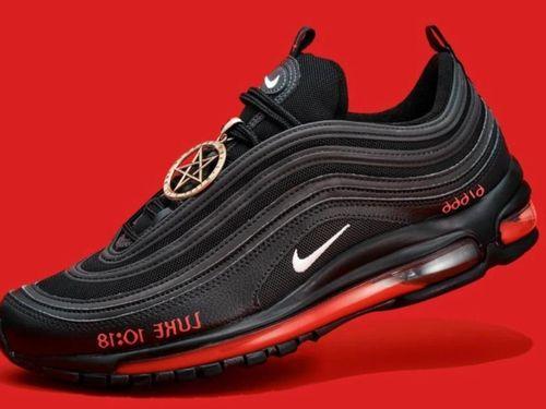 Giày Satan và những thiết kế bị thu hồi