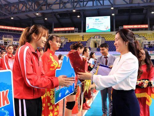 Khai mạc vòng 1 bảng A Giải Bóng chuyền VĐG 2021