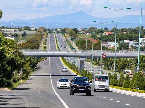 'Đánh thức' giao thông miền Nam với loạt cao tốc được triển khai