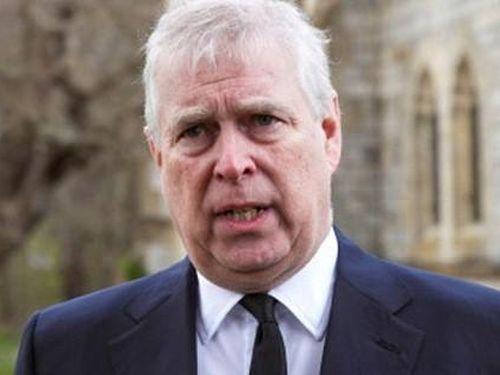 Hoàng tử Andrew hy vọng được tái xuất nhờ tang lễ của cha