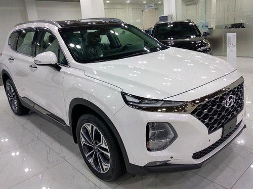 Hyundai Santa Fe giảm giá hơn 100 triệu đồng tại Việt Nam