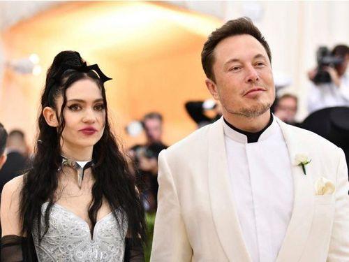 Musk và bạn gái sẽ là cặp đôi kết hôn đầu tiên trong không gian?