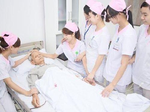 Hội Điều dưỡng Việt Nam đòi 'trả lại tên' cho nghề điều dưỡng trong tờ khai làm căn cước công dân