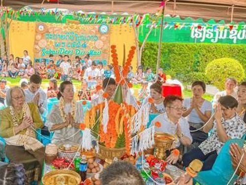 Lễ buộc chỉ cổ tay – phong tục độc đáo của người Lào