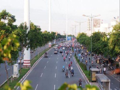 Điều chỉnh phân làn trên đường Phạm Văn Đồng, Trường Chinh