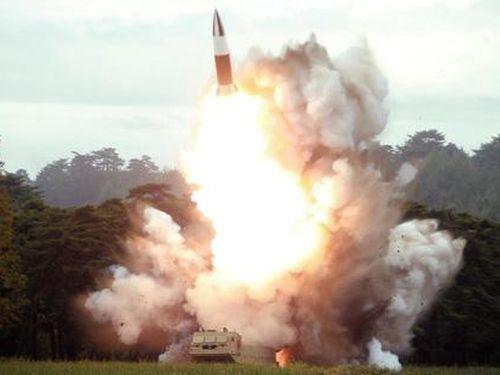 Chuyên gia cảnh báo về cuộc đua nguy hiểm giữa Hàn Quốc và Triều Tiên