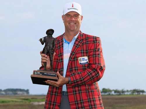 Tay golf Stewart Cink lập kỳ tích ở Heritage