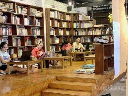 Kết nối văn hóa đọc từ không gian cà phê sách