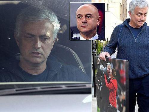 Mourinho bỏ túi gần 2.500 tỉ đồng vì bị... sa thải