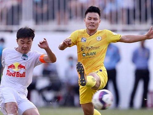 CLB Hà Nội dưới thời HLV Hàn Quốc: Đua vô địch hay trụ hạng?