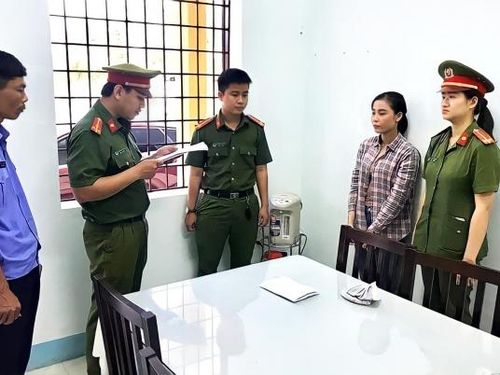 Quảng Nam: Bắt nữ quái giả danh cán bộ nhà nước để lừa tiền người già