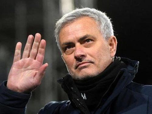 Tottenham sa thải HLV Mourinho