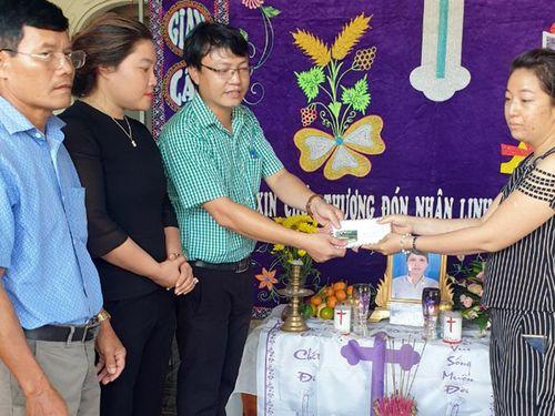 Hỗ trợ 11,7 triệu đồng cho gia đình 5 trẻ em mồ côi ở Xuyên Mộc