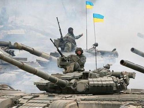 Ukraine ký luật gọi nhập ngũ trong bối cảnh leo thang căng thẳng với Nga