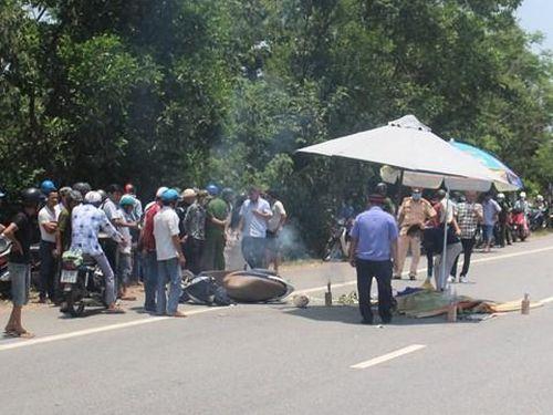 Quảng Nam: Xe tải va chạm với xe máy, một phụ nữ tử vong