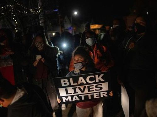 Bạo lực da màu gia tăng dưới thời Biden