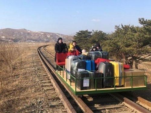 Các nhân viên cứu trợ quốc tế cuối cùng rời Triều Tiên