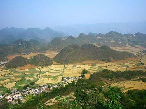 Cao nguyên đá Đồng Văn: Danh thắng hoang sơ và hùng vĩ