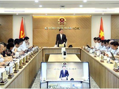 Bộ trưởng Nguyễn Mạnh Hùng: Ngành TT&TT sẽ tiên phong dẫn dắt công cuộc CĐS quốc gia
