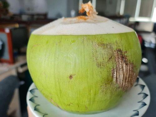 Tác dụng không mong muốn của món nước dừa