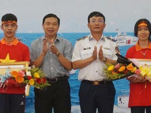 Nữ sinh lớp 8 giành giải nhất cuộc thi về biển, đảo quê hương