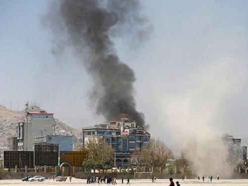Khu nhà chính phủ Afghanistan bị tấn công bằng rocket