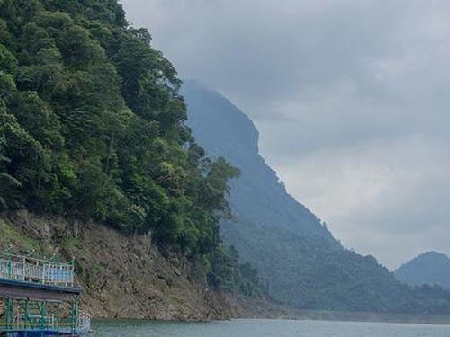 Khám phá vẻ đẹp sơn thủy hữu tình của hồ thủy điện Tuyên Quang