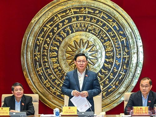 Chủ tịch Quốc hội làm việc với Thường trực Ủy ban Kinh tế, Ủy ban Khoa học - Công nghệ và Môi trường